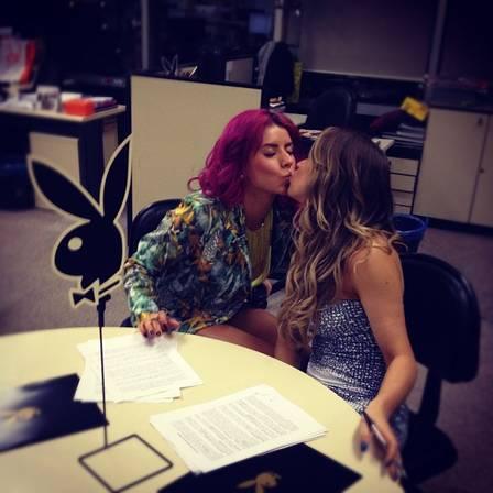 Panicats Carol Narizinho e Thaís Bianca vão pusar juntas na Playboy de dezembro