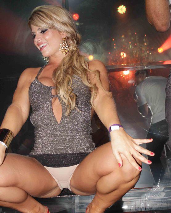 Lorena-Bueri-Camila-Vernaglia-festa-revista-sexy-4