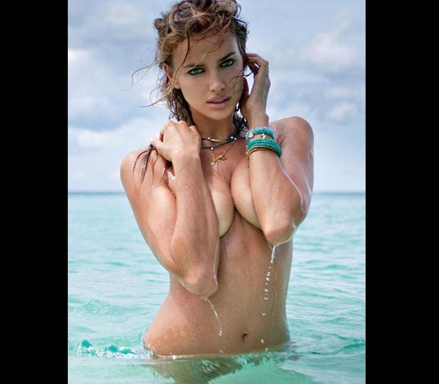 As 10 celebridades com os seios naturais mais lindos Irina Shayk