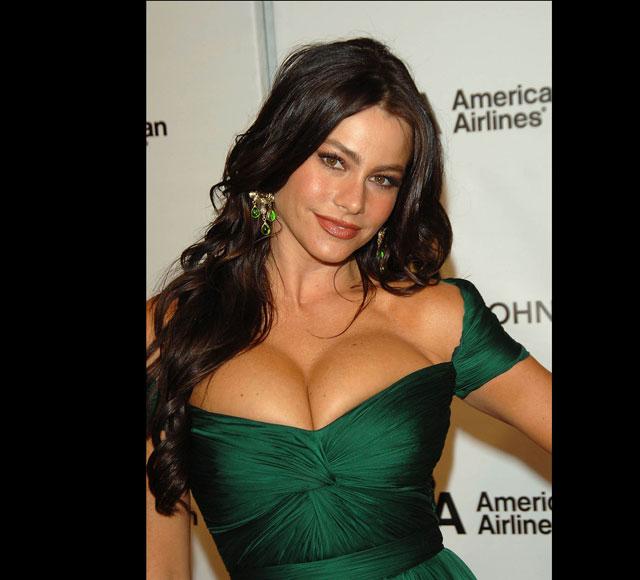 As 10 celebridades com os seios naturais mais lindos Sofia Vergara