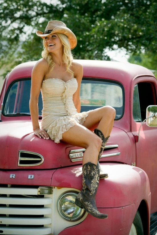 550x826xhot-country-girls-32.png.pagespeed.ic.rm9-rSroxb