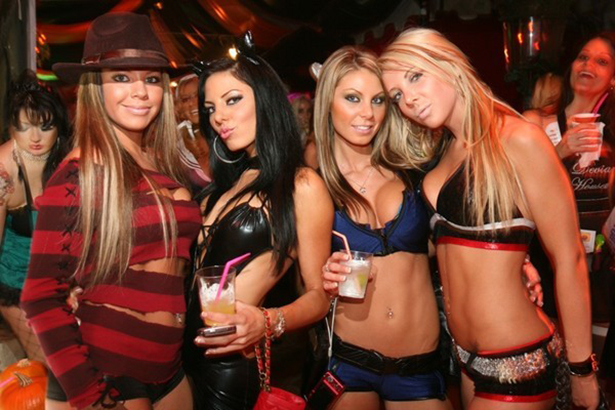 sexy-halloween-girls-028-10302013