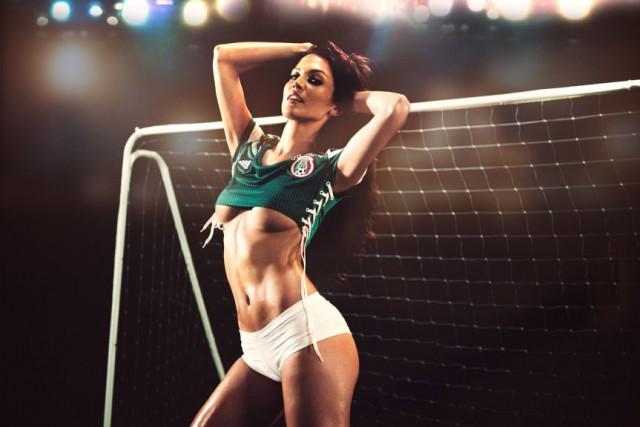 Playboy-celebra-inicio-da-copa-do-mundo9