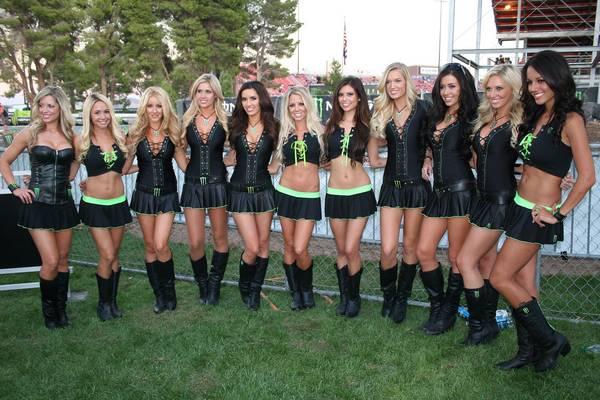 As lindas Monster Energy girls