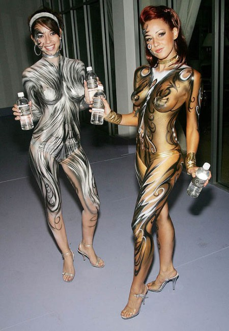 sexy-halloween-body-paint15
