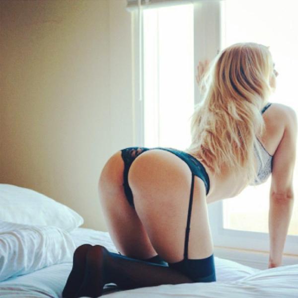 12 Lindas mulheres de lingerie da semana