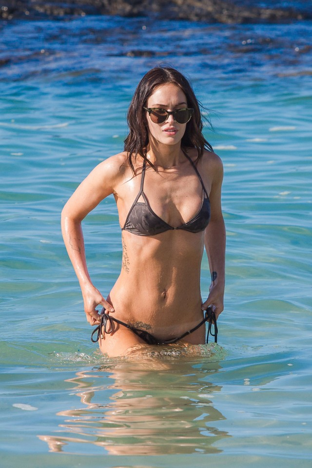 Megan-Fox-bikini-hawaii-016