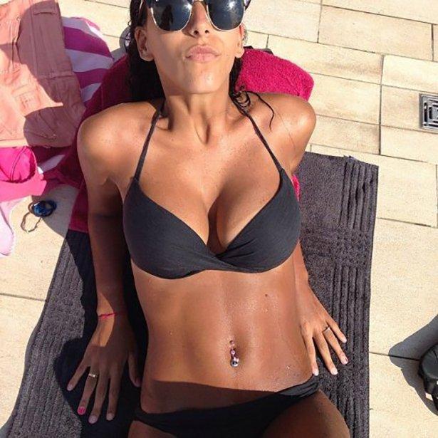 bikini-sunday-012-03292014