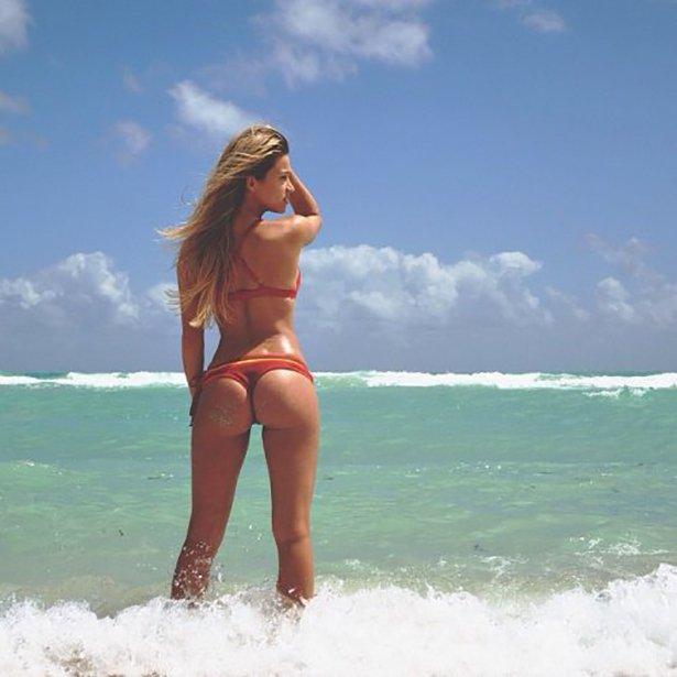 bikini-sunday-016-03292014