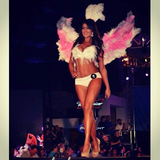 hooters-international-swimsuit-pageant-201414