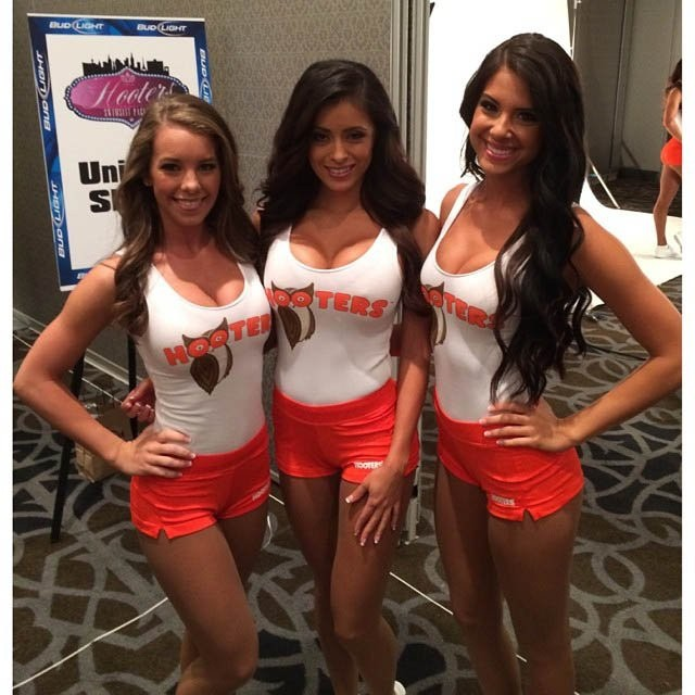 hooters-international-swimsuit-pageant-201428