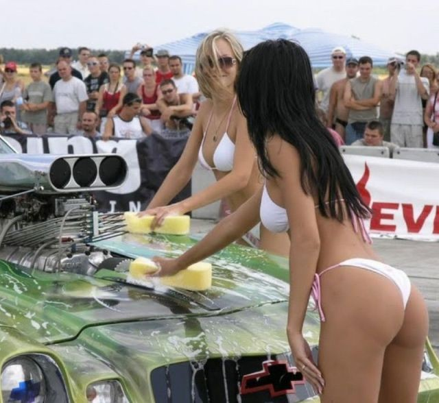 soapy_car_wash_girls_simply_ooze_sexiness_640_67