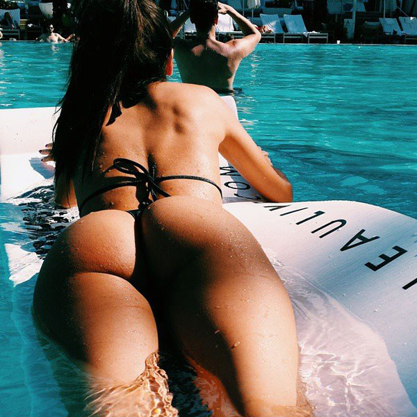 Happy-Hump-Day-Ass-Pics-03