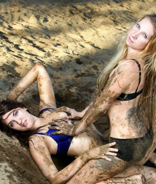 its_always_more_fun_when_girls_get_dirty_640_25