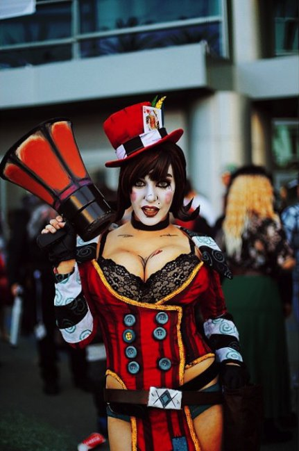 as-mais-gostosas-fantasias-e-cosplay-girls-da-wondercon-20158