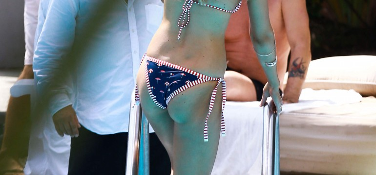 Gigi Hadid Shows Off Her Bikini Body