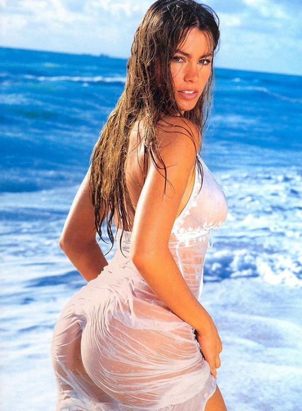 sofia-vergara-in-a-wet-dress