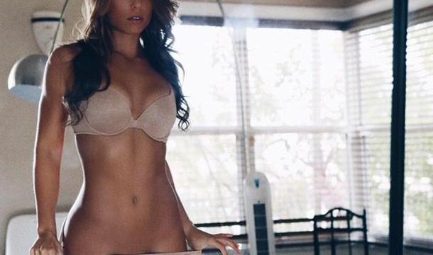 Nicole-Mejia-Sexy-Gap