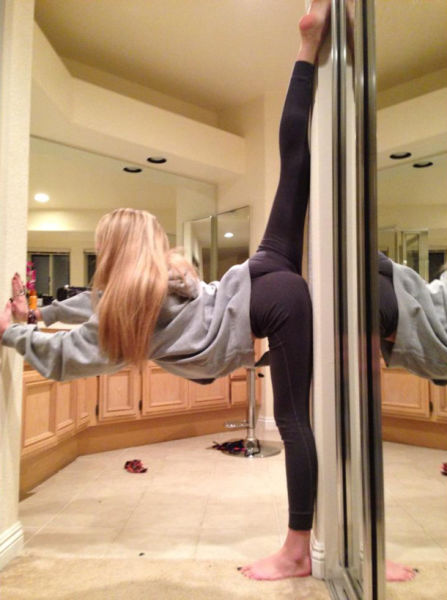 girls_who_have_flexibility_nailed_640_19