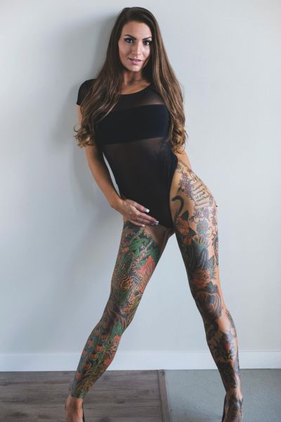 hot_and_hardcore_tattooed_girls_640_21