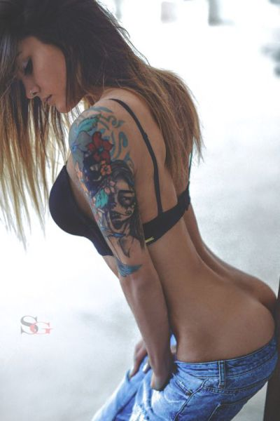 hot_and_hardcore_tattooed_girls_640_29