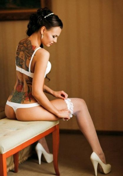 hot_and_hardcore_tattooed_girls_640_40