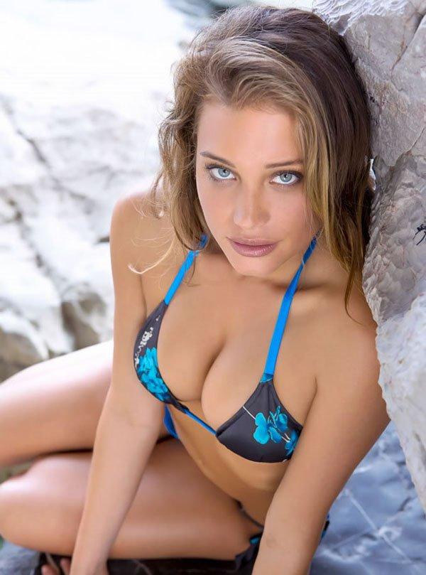Hannah-davis7