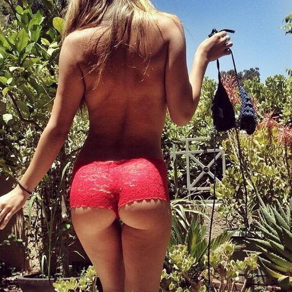 Happy-Hump-Day-Ass-Pics-02