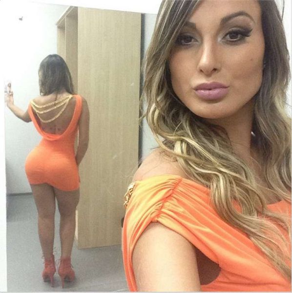 the_tighter_the_dress_the_hotter_the_honey_640_08 (1)