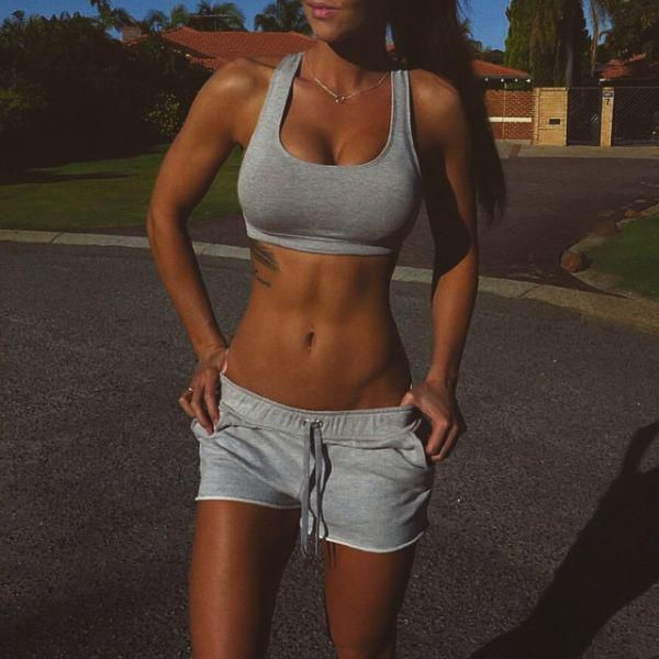 these_girls_in_sports_bras_will_inspire_you_to_hit_the_gym_640_29