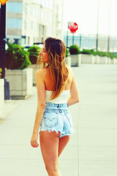 The-beautiful-sexy-girls-in-short-shorts-019
