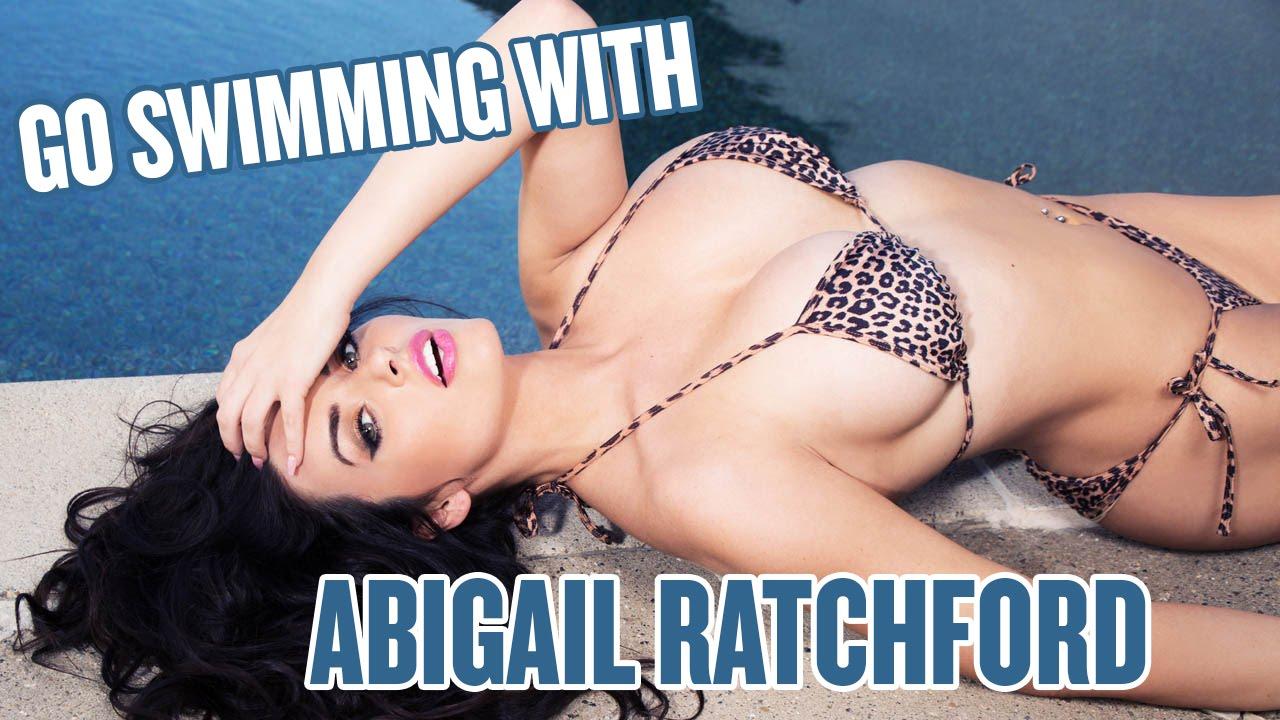 Abigail Ratchford de biquíni