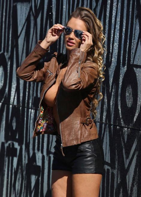 charlie-riina-a-nova-garota-das-maravilhosas-propagandas-da-138-water9