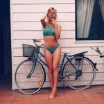 mulheres-gostosas-de-bicicleta12