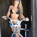 mulheres-gostosas-de-bicicleta17