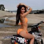 mulheres-gostosas-de-bicicleta19