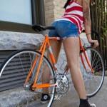 mulheres-gostosas-de-bicicleta2