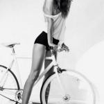 mulheres-gostosas-de-bicicleta4