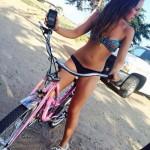 mulheres-gostosas-de-bicicleta6