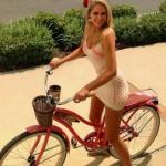 mulheres-gostosas-de-bicicleta8