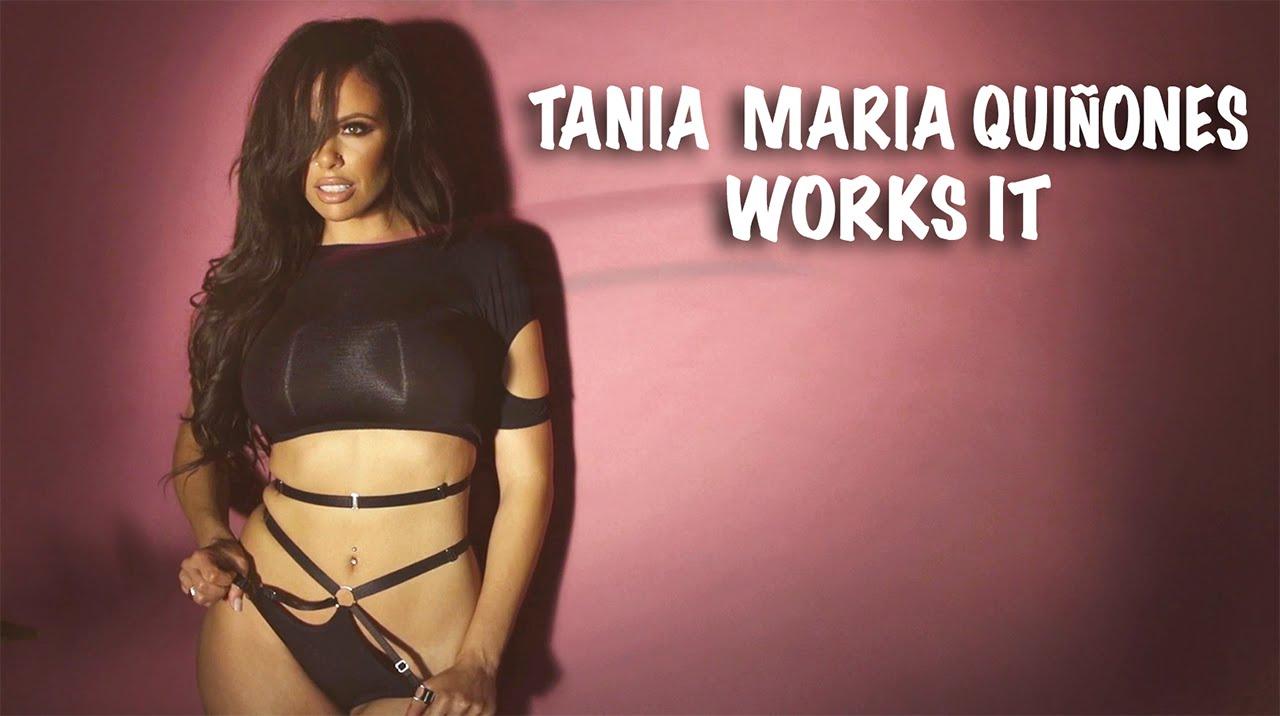Tania Maria Quinones em um belo striptease para Playboy
