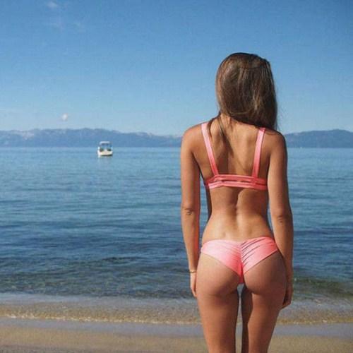 60 mulheres de biquini para te alegrar e mostrar que nada e melhor que o verão