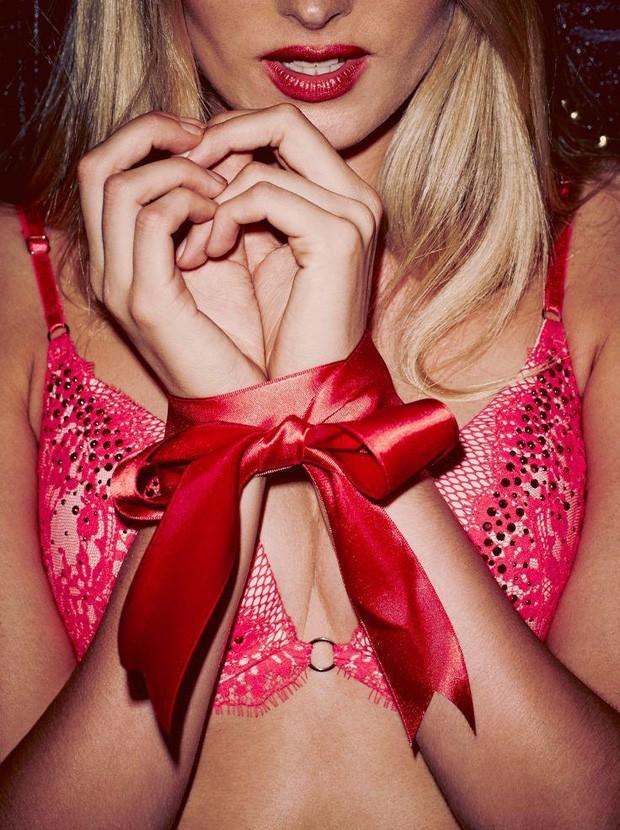 campanha-da-victorias-secret-de-lingeries-de-natal2