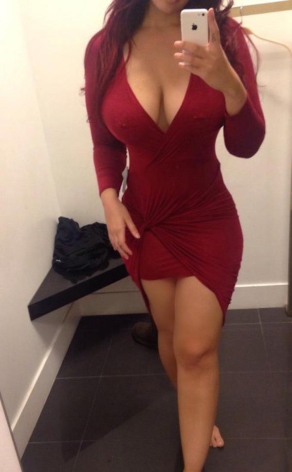 tight-dresses-go-hand-in-hand-with-the-weekend-32
