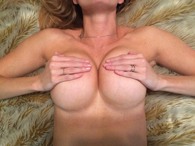 who_needs_a_bra_anyway_640_23