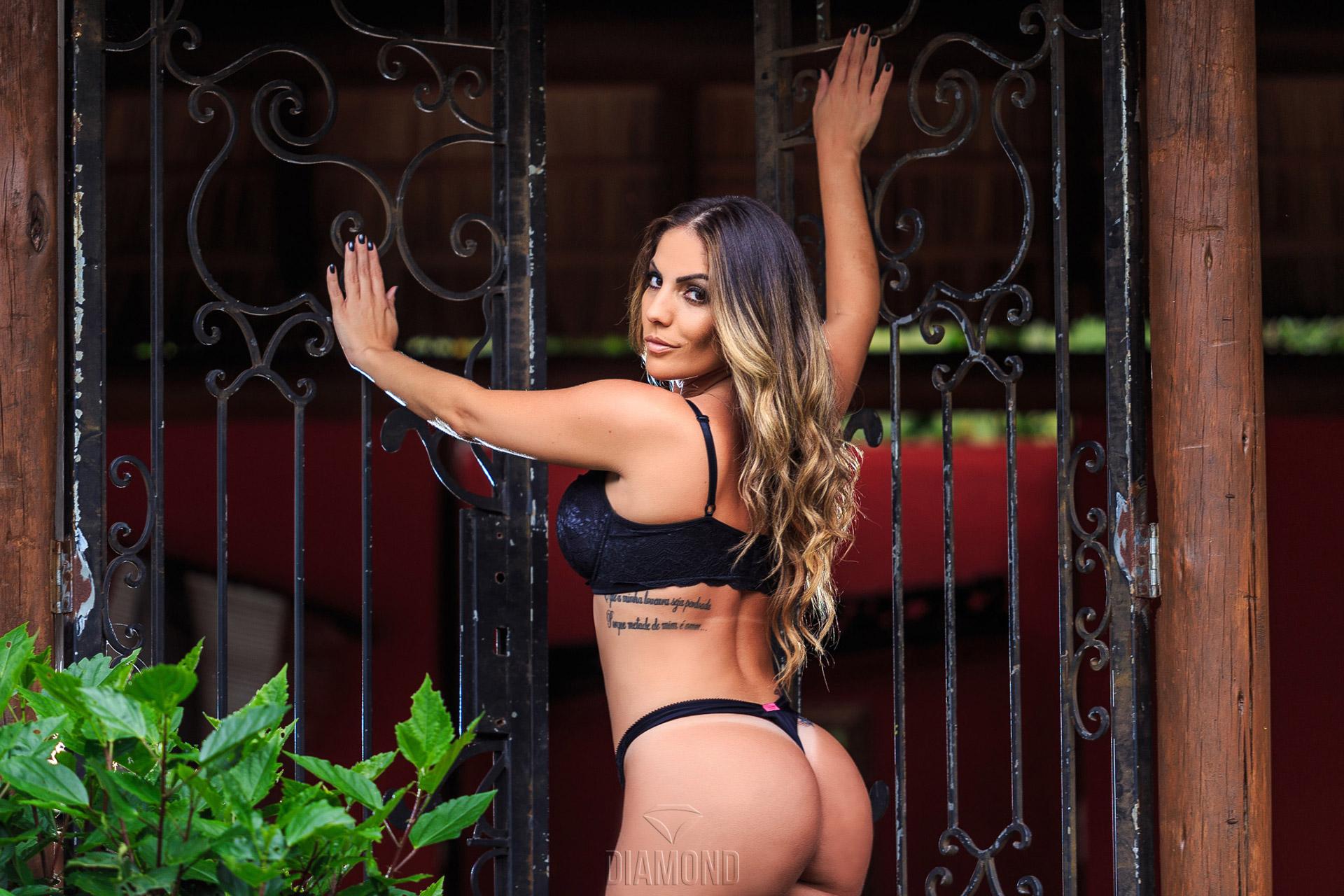 Diamond Brazil | Ensaio sensual de Anamara ex BBB6