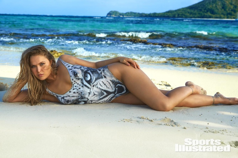 ronda-rousey-foi-capa-da-revista-sports-illustrated-so-de-bodypaint