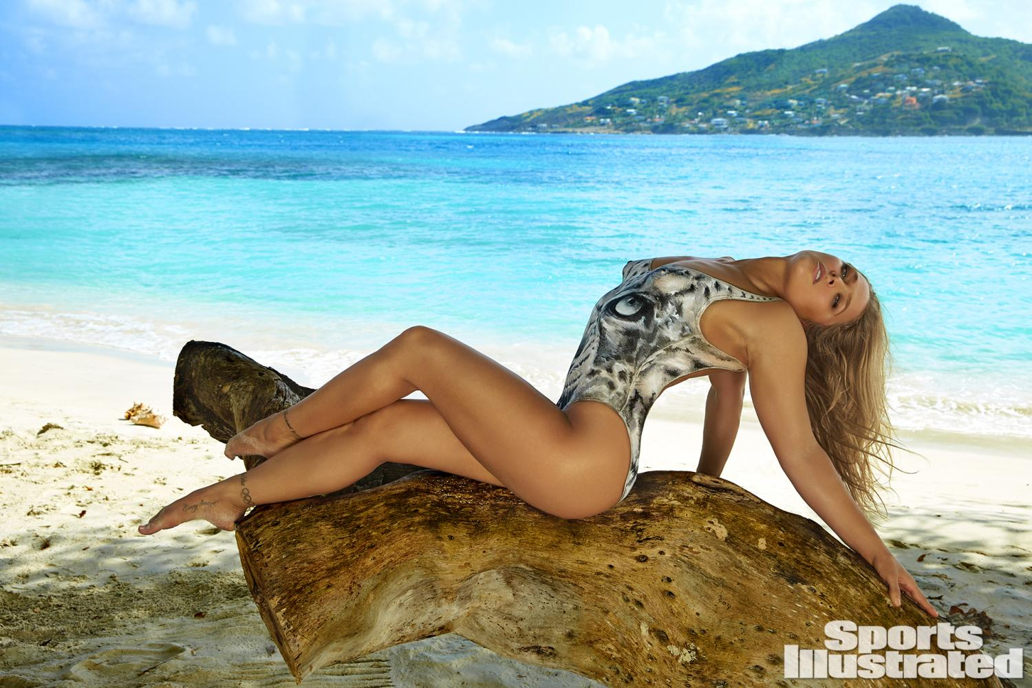 ronda-rousey-foi-capa-da-revista-sports-illustrated-so-de-bodypaint10