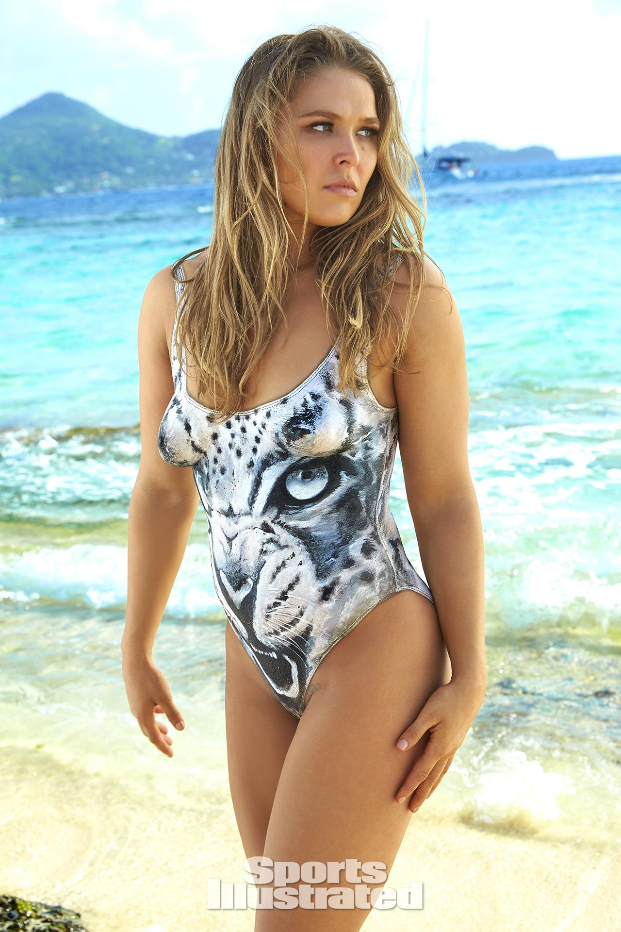 ronda-rousey-foi-capa-da-revista-sports-illustrated-so-de-bodypaint8