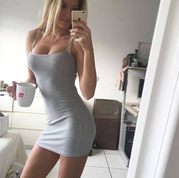 oh_my_those_tight_dresses_640_27